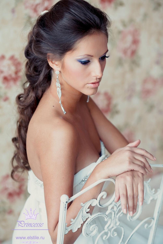 свадебные прически. свадебные прически длинные волосы заканчивающиеся крупными локонами.